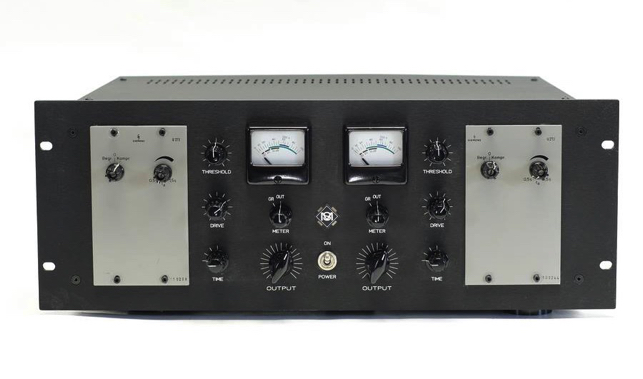 Siemens U273 modified with additional control functions and gain reduction / VU meters.