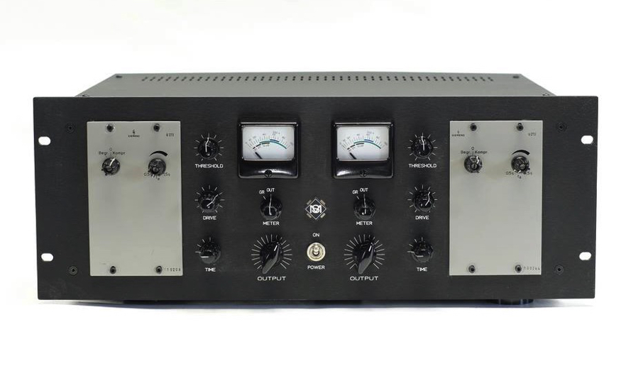 2 x Siemens U273 modified with additional control functions and gain reduction / VU meters.