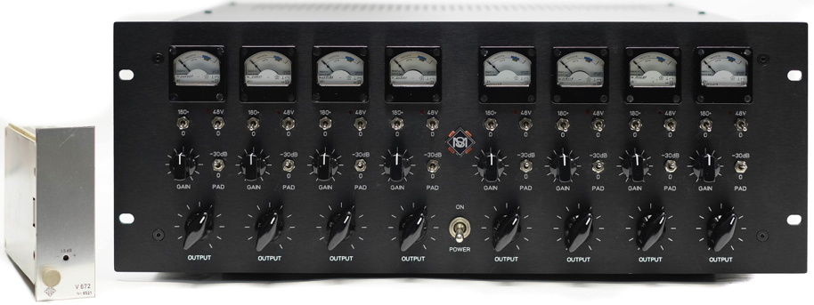 8X Telefunken V672 preamps in a custom made rack by sonicmessiah